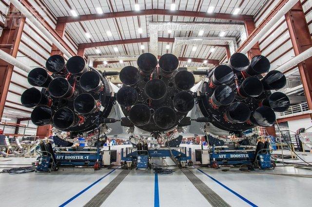 SpaceX dünyanın en güçlü roketini inşa ediyor: Falcon Heavy