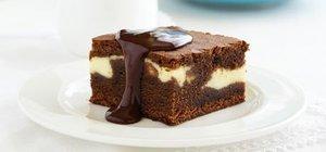 Beyaz çikolatalı brownie nasıl yapılır? Beyaz çikolatalı brownie tarifi ve malzemeleri...