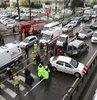 Kazada hafif yaralanan 2 kişi ambulansla hastaneye kaldırıldı