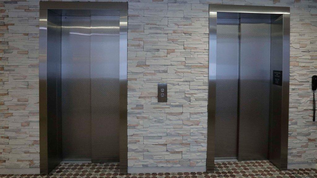 87 bin asansörde kırmızı alarm