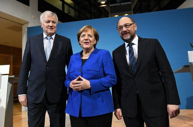 Almanya'nın kaderi SPD'nin olağanüstü kurultayında belli olacak!