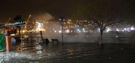 Zonguldak'ta dalgaların boyu 10 metreyi buldu