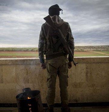 Afrin'deki teröristler kıyafet değiştiriyor!