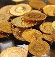 Altın fiyatları için vatandaşların araştırması sürüyor. Altına yatırım yapmak isteyen veya altın bozdurmak isteyen vatandaşların yakından takip ettiği altın fiyatlarındaki son durum araştırılıyor. Peki Altın ne kadar? Bugün çeyrek altın ve gram altın ne kadar oldu? İşte altın fiyatları
