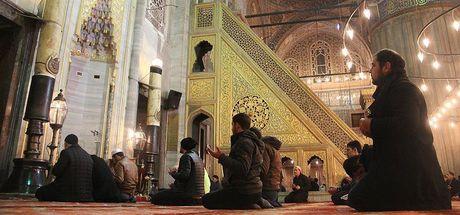 Camilerde Mehmetçik'in zaferi için dua edildi