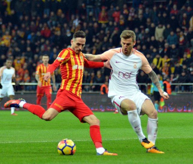 Bülent Yavuz, Galatasaray-Göztepe maçını değerlendirdi 53