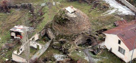Tarihi hamam çürümeye terk edildi