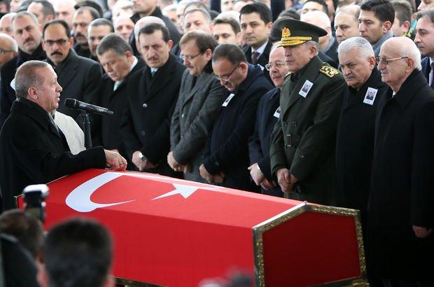 Devletin zirvesi Afrin şehidini uğurladı
