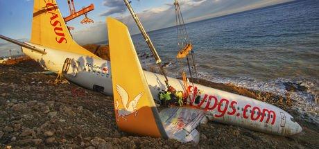 Trabzon'da pistten çıkan uçakla ilgili karar verildi