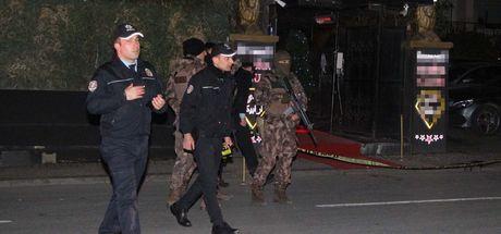 Ortaköy'de gece kulübüne silahlı saldırı: 1'i ağır 3 kişi yaralandı