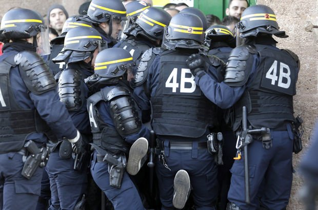 fransa polis
