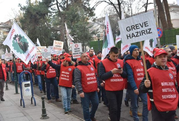 Türk Metal İş Sendikası TSK'nın Afrin'a düzenlediği Zeytin Dalı Operasyonu ile birlikte eylemlerini sonlandırdığını açıklamıştı