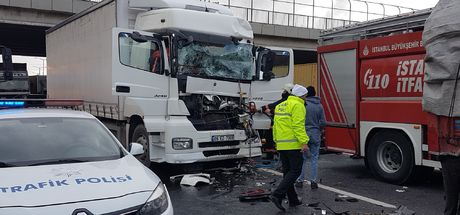 Son dakika! TEM Otoyolu'nda kaza! Edirne istikameti trafiğe kapandı