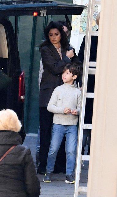 Penelope Cruz oğlu Leonardo ile görüntülendi