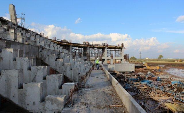Yeni Akhisar Stadı ne zaman açılıyor? Yeni Akhisar Stadı kaç bin kişilik?