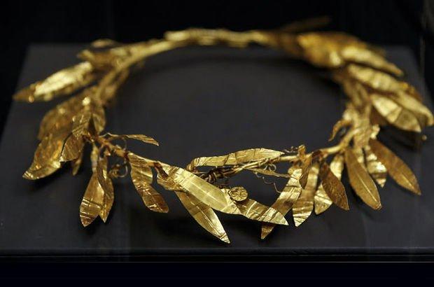 Altın Taç yuvada