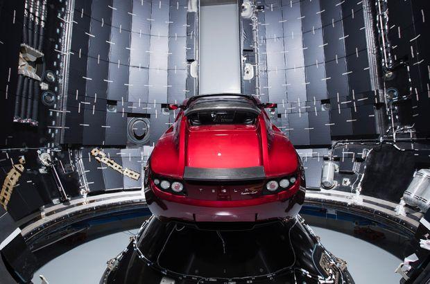Heavy Falcon SpaceX Tesla Roadster canlı izle
