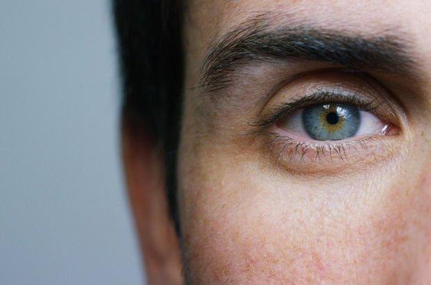 Açık renkli gözlülerde göz kanseri