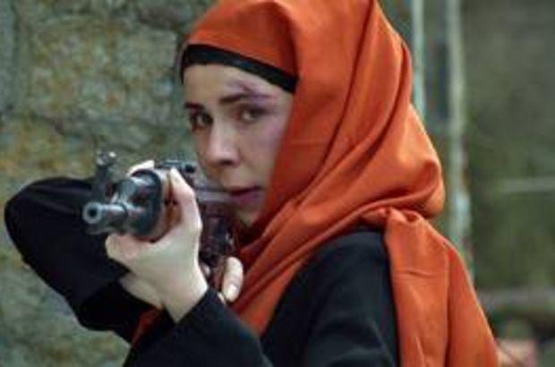 Gizli görevle Suriye'ye giden Selin, teröristle karşı karşıya kalıyor!