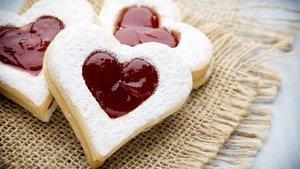 14 Şubat Sevgililer Günü kurabiyesi tarifi ve malzemeleri