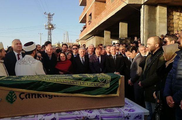 AK Partili vekilin evlat acısı... Cenazeye Başbakan da katıldı