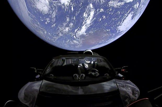 Elon Musk Falcon Heavy füzesi Florida Tesla Roaster