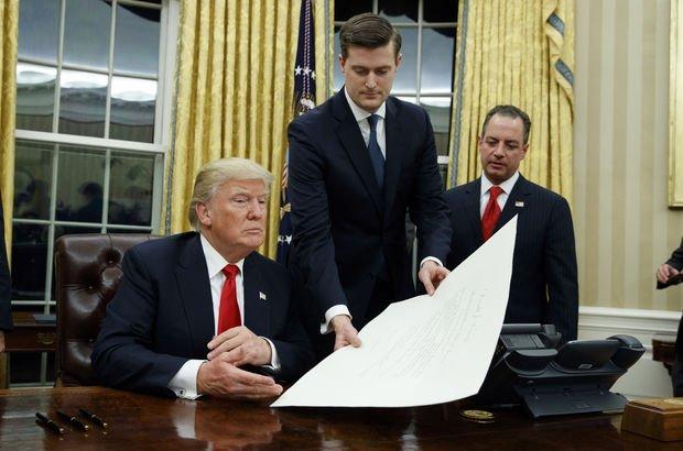 Eski eşler Beyaz Saray'da istifayı getirdi!