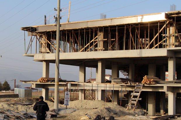 Akıma kapılan inşaat işçisi öldü