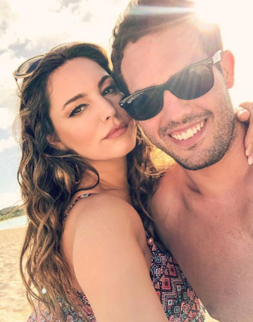 Kelly Brook ile sevgilisi Jeremy Parisi'nin romantik tatili - Magazin haberleri