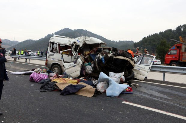 Kahramanmaraş'ta feci kaza! 9 ölü, 7 yaralı
