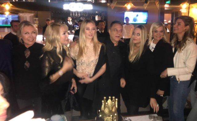 Mehmet Ali Erbil, yeni yaşını eski eşleriyle kutladı - Magazin haberleri