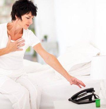 Prof. Dr. Barlas N. Aytaçoğlu, sağlıklı yaşam saplantısı içinde yaşamanın da, stres sebebi olduğunu ve bu tip bir stresin, kalp ve damar hastalıklarının işini kolaylaştırdığını söyledi