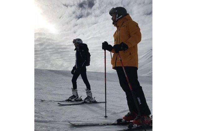 Yasemin Özilhan ile İzzet Özilhan'ın kar tatili - Magazin haberleri