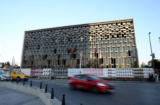 AKM binası