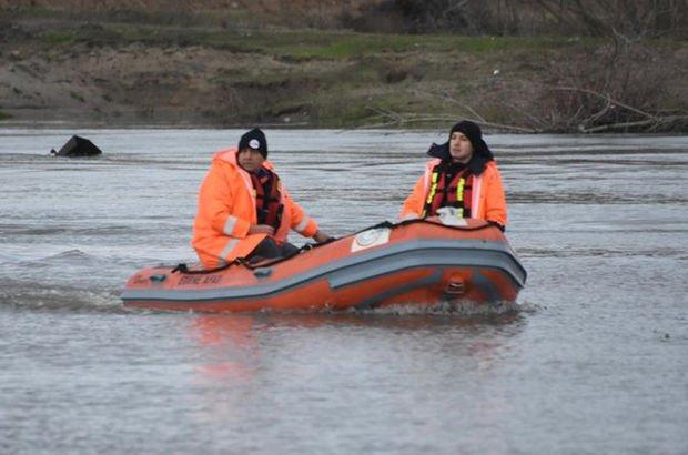 Meriç Nehri'nde alabora olan botta FETÖ şüphelisinin cesedine ulaşıldı