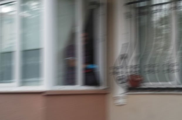 Pencereden kız arkadaşının odasına girdi, sonu kötü bitti!