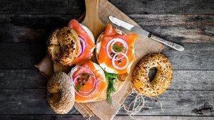 Füme somon sandviç nasıl yapılır? Füme somon sandviç tarifi ve malzemeleri