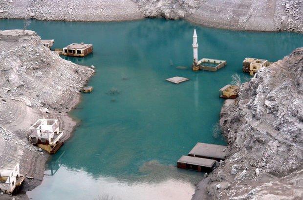 Baraj suları çekilince ortaya çıktı, herkes oraya koştu