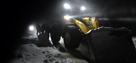 Ardahan'da köy yolunda mahsur kalan 86 kişi kurtarıldı