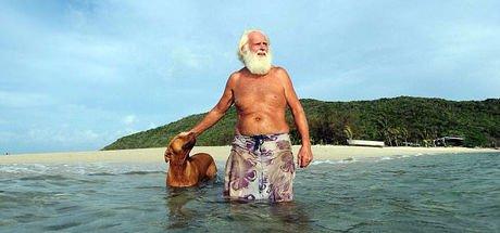 Eski milyoner artık ıssız adada yaşıyor!