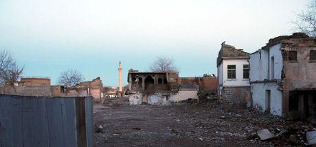 Son dakika... Diyarbakır'da 2 kişinin yerde bulduğu cisim patladı