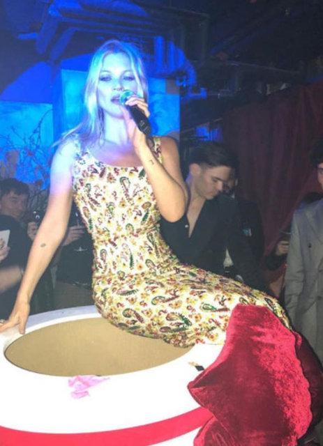 Irına Shayk, Mert Alaş'ın doğum günün kutladı