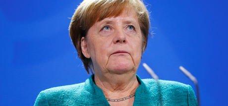 Merkel'e şok üstüne şok: Yabancı düşmanı AfD artık ikinci parti!