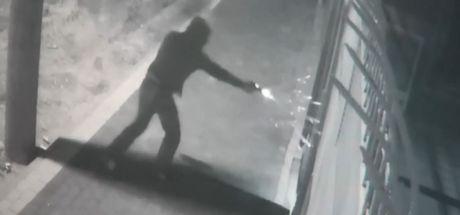 Bursa'da kar maskeli soyguncular yaklaşık 2 bin 500 lirayı alıp kaçtı