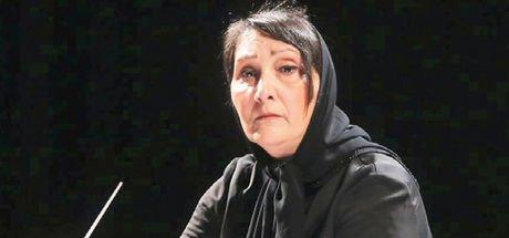 İran'ın ilk ve tek kadın orkestra şefi Nezhat Amiri!