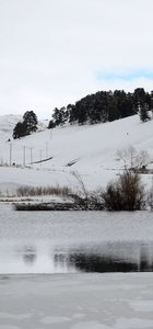 Yüzeyindeki buzlar eriyince misafirlerini ağırlamaya başladı