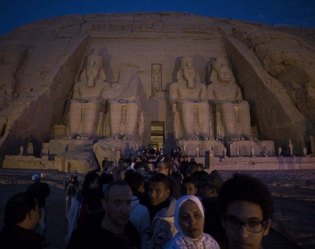 Astronomi harikası gerçekleşti: II. Ramses heykeline güneş vurdu