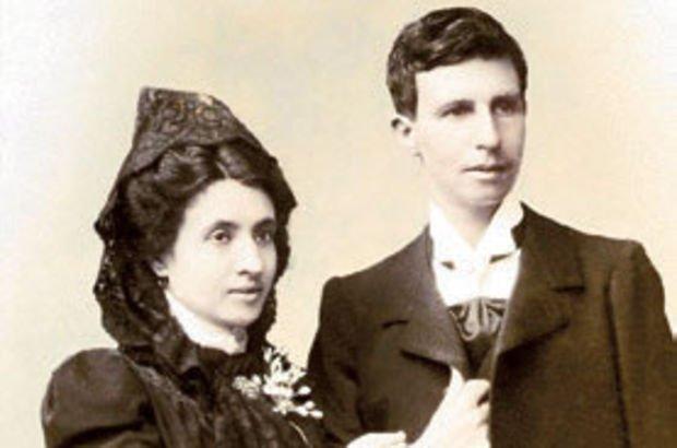 Dünyanın ilk lezbiyen çifti!