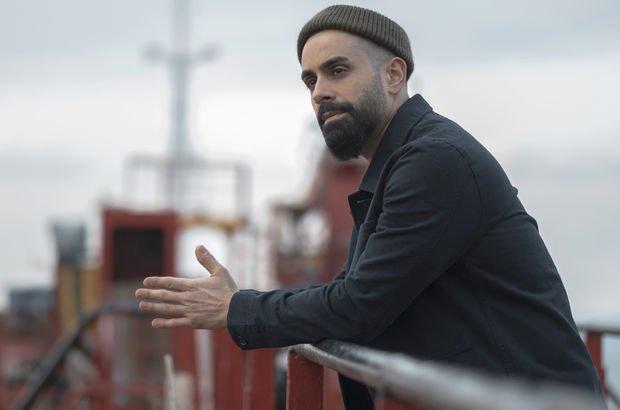 Gökhan Türkmen 'Lafügüzaf' şarkısına tersanede klip çekti