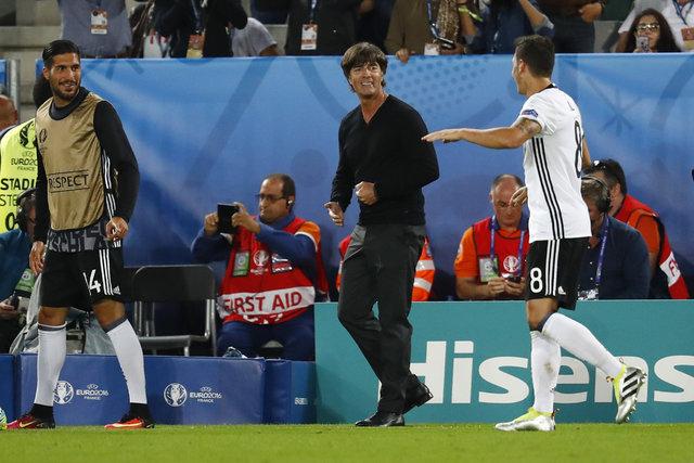 Mesut Özil Almanya'yı tercih etti?
